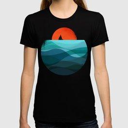 Deep blue ocean T-shirt