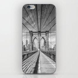 NEW YORK CITY Brooklyn Bridge | Monochrome iPhone Skin
