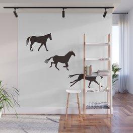 a horse runs Wall Mural
