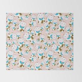 Maneki-neko good luck cat pattern Throw Blanket