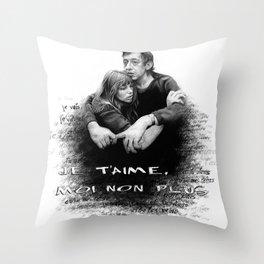 Je t'aime - Jane Birkin & Serge Gainsbourg Throw Pillow