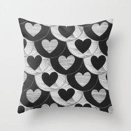 corazones Throw Pillow