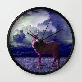 Le cerf dans les nuages Wall Clock
