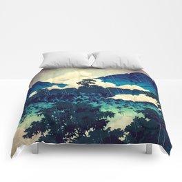Under the Rain in Doyi Comforters
