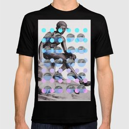 Statue With A Dot Gradient 2 T-shirt