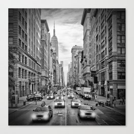 NEW YORK CITY 5th Avenue Traffic | Monochrome Canvas Print