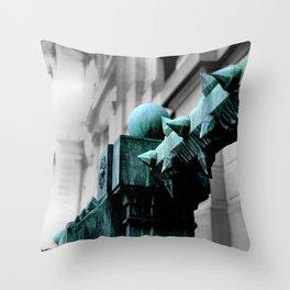 Labyrinth Scorn Throw Pillow