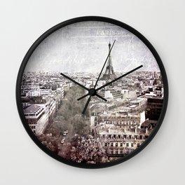 la tour eiffel {liberté Wall Clock