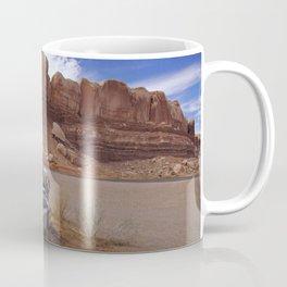 Rusy Oldtimer In Navajo Twin Rocks Utah Ultra HD Coffee Mug