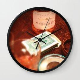 Nouveaux amis à Paris Wall Clock