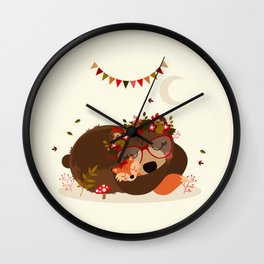 Oursonne et renarde endormies Wall Clock