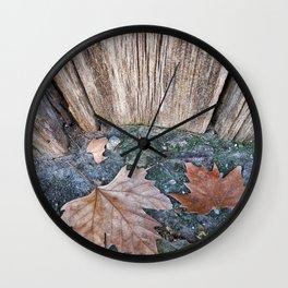 002 Wall Clock