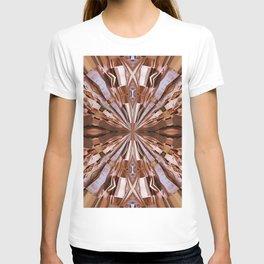 313 - Abstract Wood design T-shirt