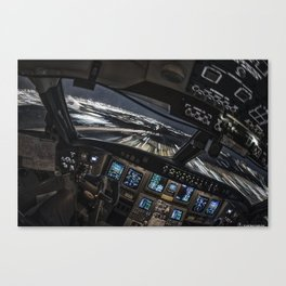 32R Clear to land Canvas Print