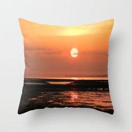 Feelings on the sea, Throw Pillow