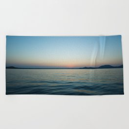 Subtle sunset Beach Towel