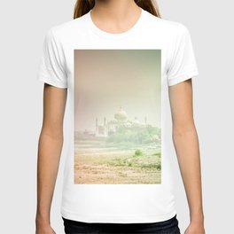 Colors of Dreamy Taj Mahal in the Morning Mist Behind the Yamuna River T-shirt
