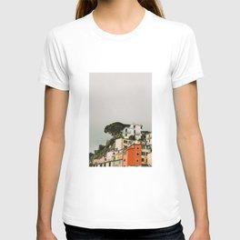 top of riomaggiore T-shirt