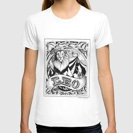 leo horoscope pointed pen & ink illustration T-shirt