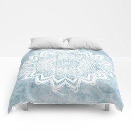 LIGHT BLUE MANDALA SAVANAH Comforters