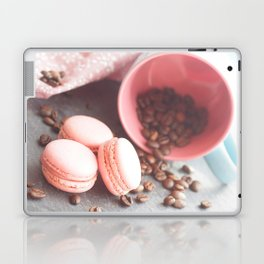 Sweet cakes with coffeebeans in a cup Laptop & iPad Skin