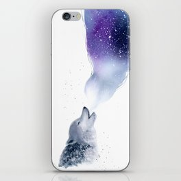 Howling Wolf in The Starlit Night iPhone Skin
