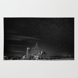 Neverwinter - Abandoned House Under Starry Night Sky in Black and White Rug
