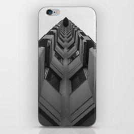 Desde el suelo. iPhone Skin