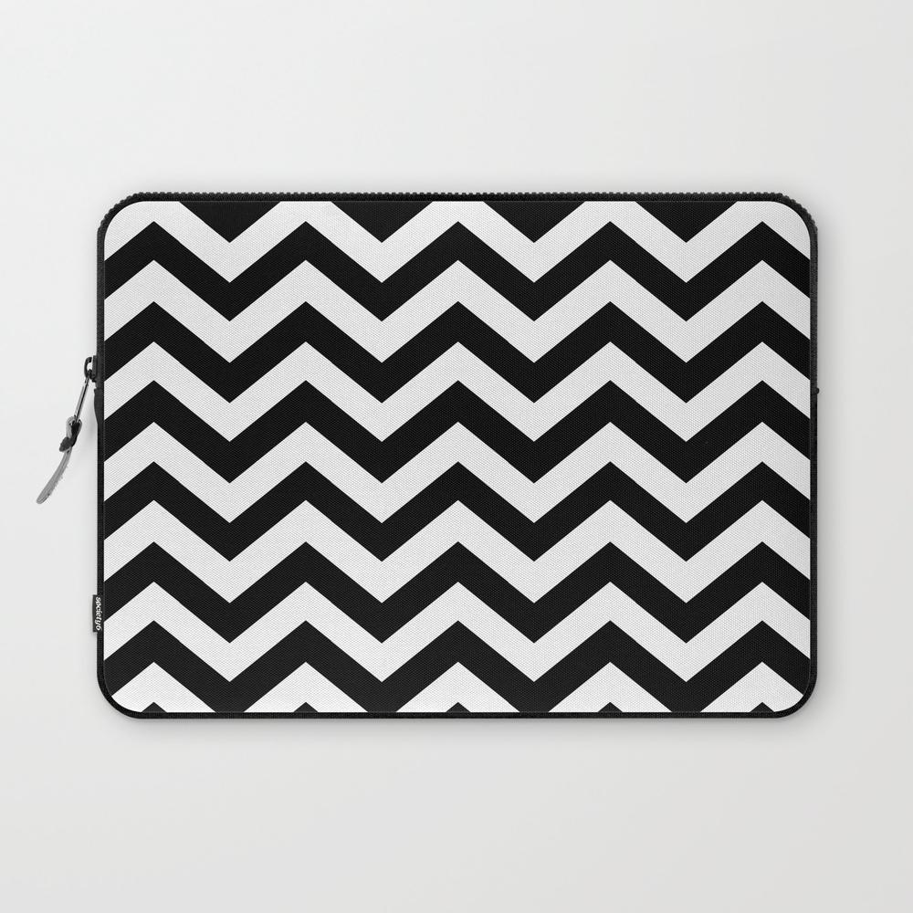 Black & White Chevron Pattern (zig Zags) Laptop Sleeve LSV8904771