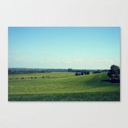 Rolling fields Canvas Print