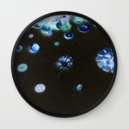 Inverted pattern Wall Clock