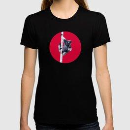 Indri indri sitting in the tree T-shirt