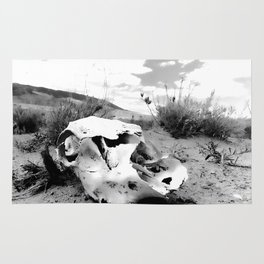Desert Skull in Black and White Photography Rug