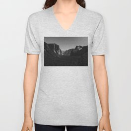 Tunnel View, Yosemite National Park IV Unisex V-Neck