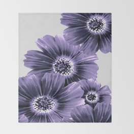 Daisies floral in soft lavender hues Throw Blanket