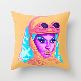 QUEEN MIZ CRACKER Throw Pillow