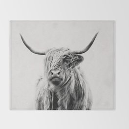 portrait of a highland cow Throw Blanket