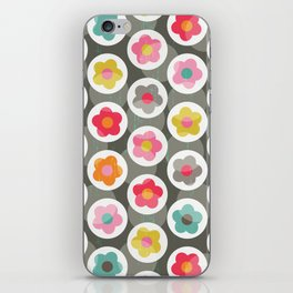 LAZY DAISY PATTERN iPhone Skin