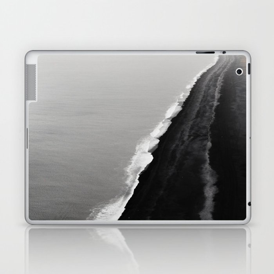 BLACK SAND BEACH Laptop & iPad Skin