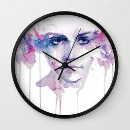 ragazza falena Wall Clock