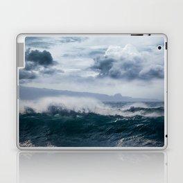 He inoa wehi no Hookipa  Pacific Ocean Stormy Sea Laptop & iPad Skin