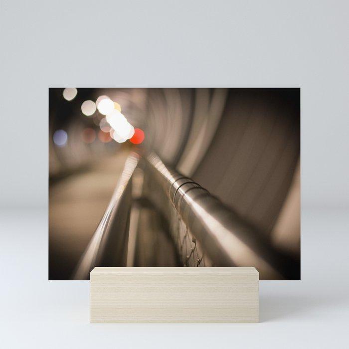Mirada abstracta Mini Art Print