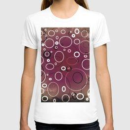 Circles with splash of mauve in smokey texture T-shirt
