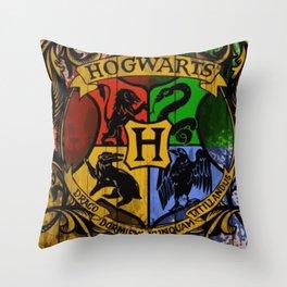 Hogwarts Gryffindor Hufflepuff slytherin ravenclaw Throw Pillow