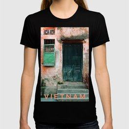 ANTIQUE CHINESE WALL of HOI AN in VIETNAM T-shirt