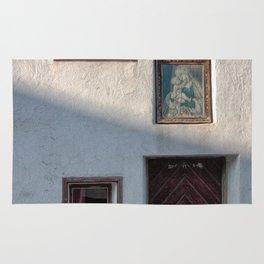 facade of an old house Rug