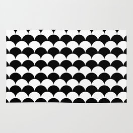 Black and White Clamshell Pattern Rug