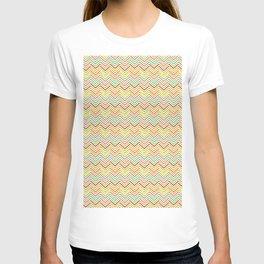 Modern geometrical pink yellow green chevron zigzag pattern T-shirt