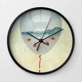 balloon fish o2, freedom in a bubble Wall Clock