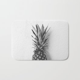 Black and white pineapple Bath Mat